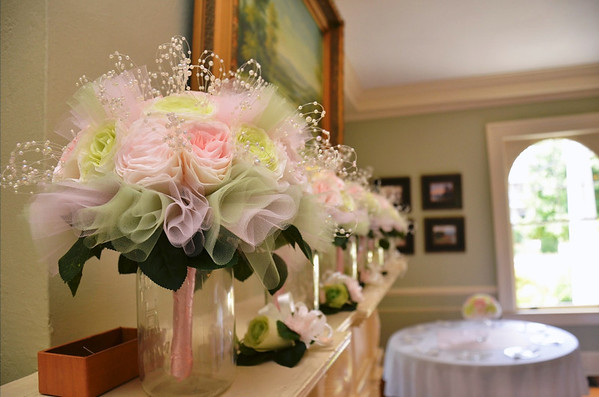 Another shot from my niece's wedding , all the flowers in the wedding were made from coffee filters!